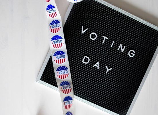 «Польові» тестування: як соціальні мережі готувалися до проміжних виборів і що з цього вийшло