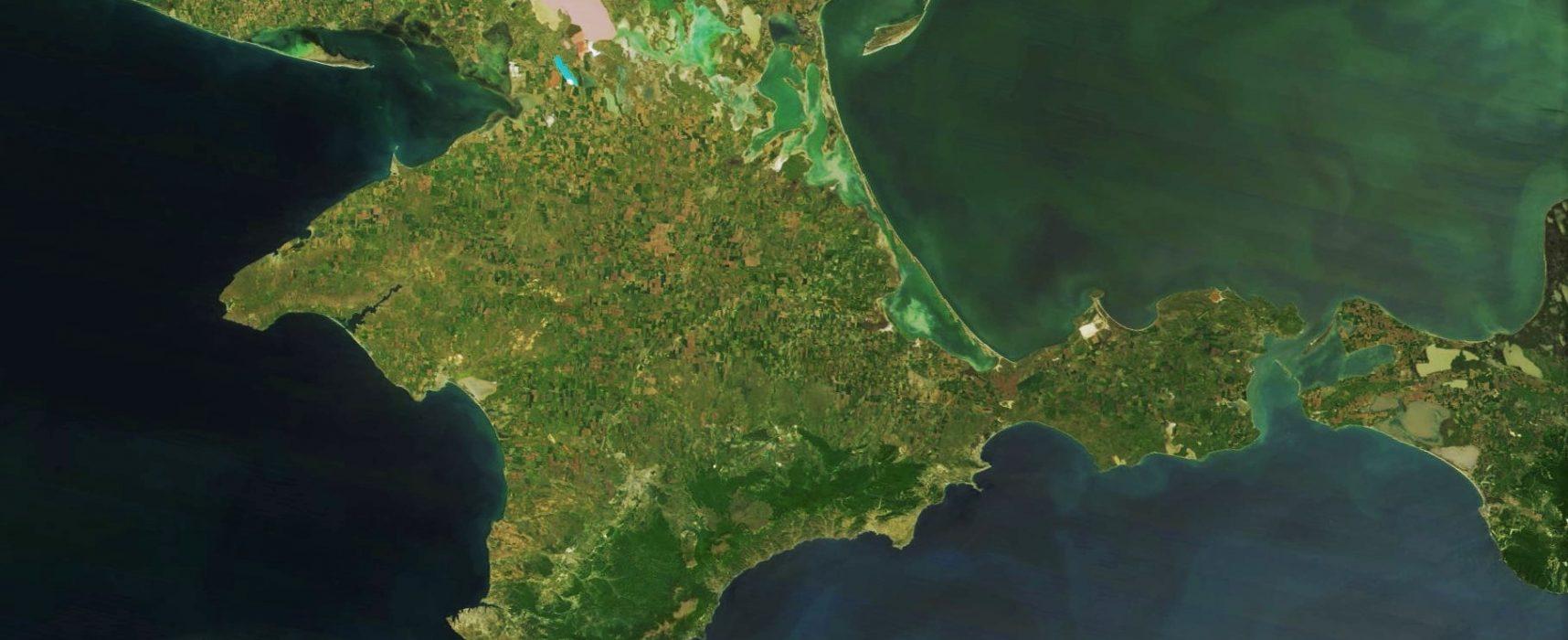 «Иностранные журналисты», похвалившие развитие Крыма, оказались не журналистами или не совсем иностранными
