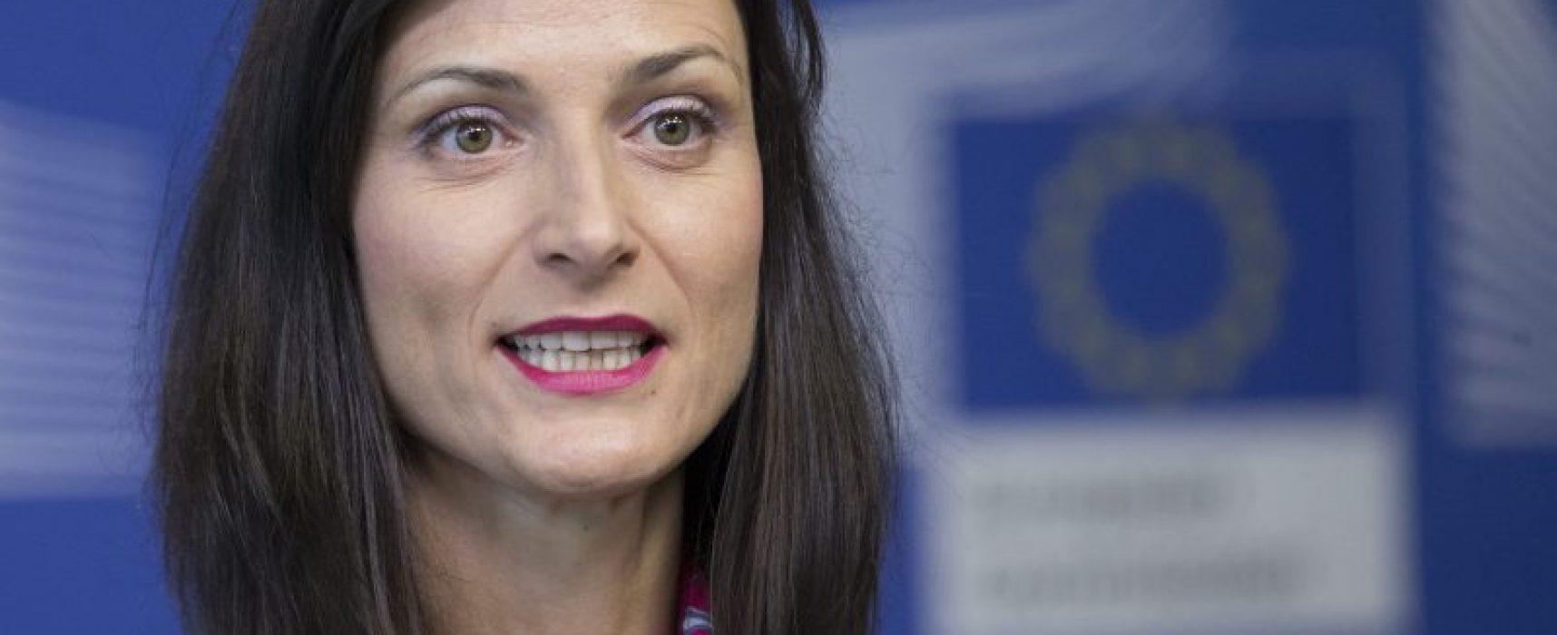 La commissaire au numérique veut que l'UE redouble d'efforts contre les infox