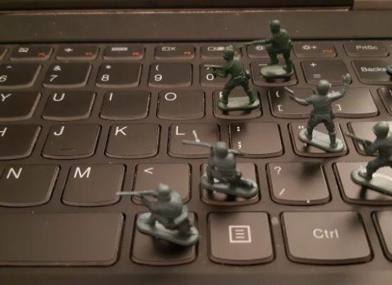 Se acercan las elecciones, Ucrania enfrenta desinformación, ciberataques y mayor interferencia rusa