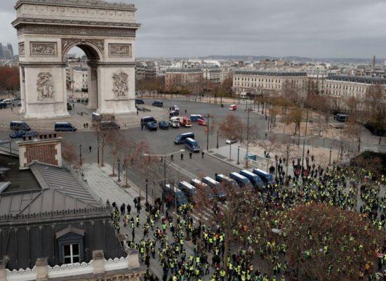 """Радио Свобода: От Донбас – при """"жълтите жилетки"""". Русия и протестите във Франция"""