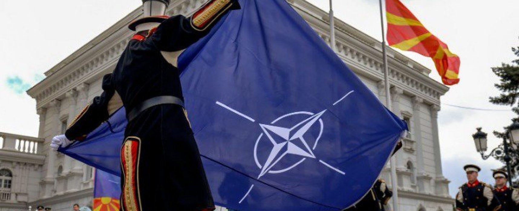 """Фейк от постоянния представител на РФ в ЕС: Северна Македония я """"теглят за ушите"""" в НАТО"""