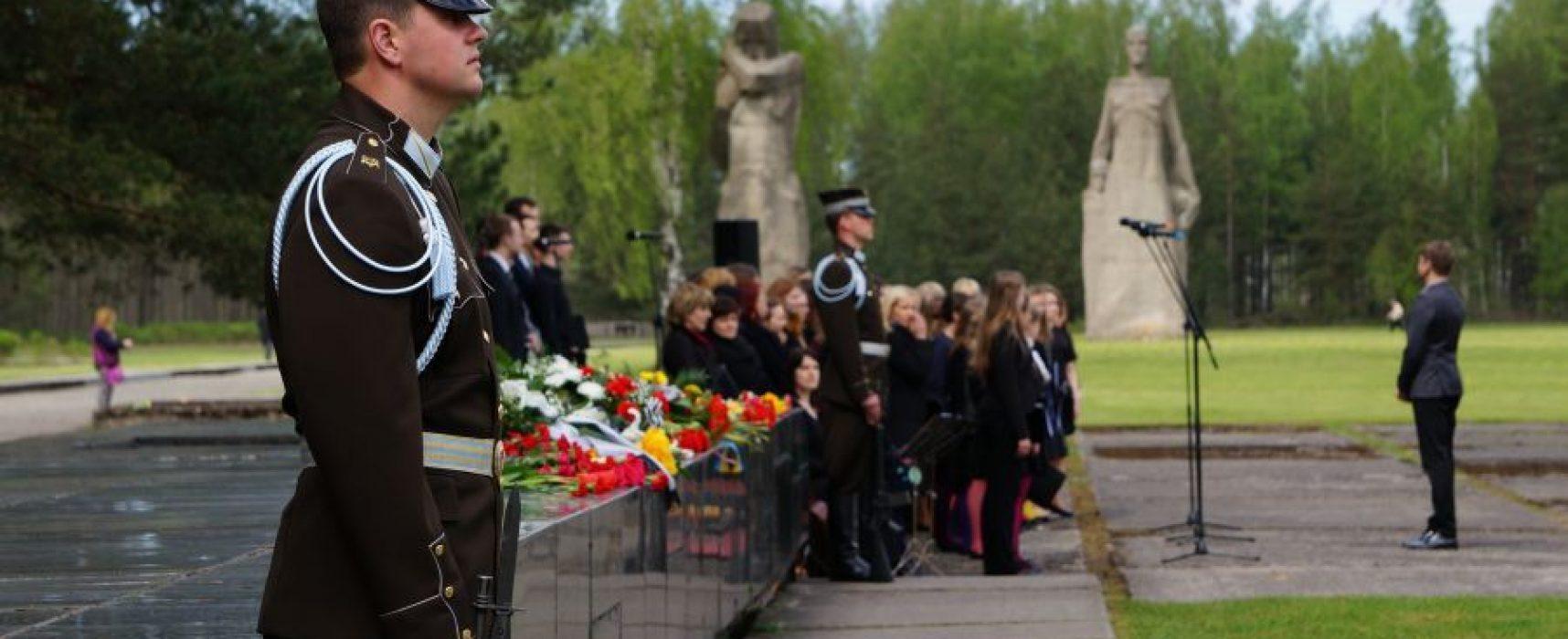 «Вести» возмутились, что Латвия не отмечает «Международный день освобождения узников нацизма», но о его существовании никто не знает