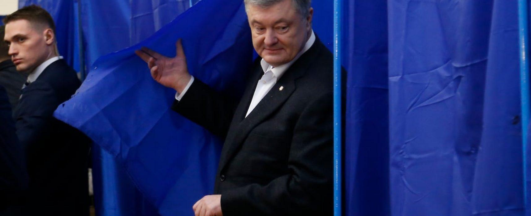 Fake Programu Pierwszego telewizji rosyjskiej: Amerykańscy eksperci uznali, że antyrosyjska polityka Poroszenki stała się powodem jego przegranej w wyborach