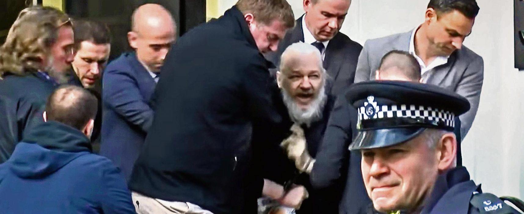 Фейк программы «Время»: Швеция добивается экстрадиции Ассанжа, чтобы выдать его США