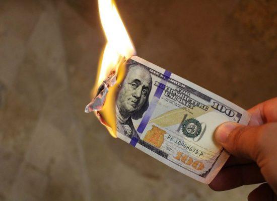 Фейк російських ЗМІ: долар ось-ось позбудеться статусу світової резервної валюти