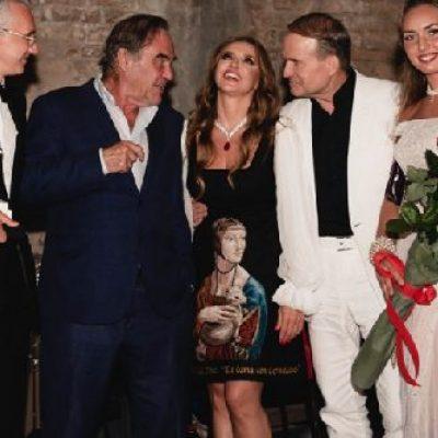 Кой снима и продуцира скандалните пропагандни филми за Украйна на Оливър Стоун