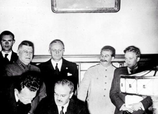 Pakt Molotov–Ribbentrop: fejky a narativy ruské propagandy