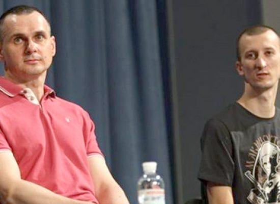 Sencov a Kolčenko: která média pokládala při tiskové konferenci politických vězňů provokativní otázky a proč