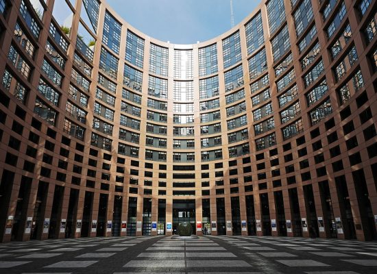 Parlament Europejski wytyka Rosji kłamstwa o II WŚ