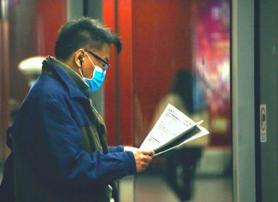 Coronavirus: come la copertura mediatica delle epidemie spesso alimenta paura e panico