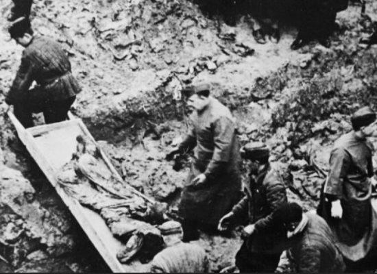 Agencja RIA Nowosti odrodziła sowiecki fake o tym, że polscy jeńcy wojenni w Katyniu zostali rozstrzelani przez Niemców