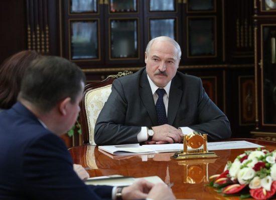 Лукашенко заявив, що в Білорусі від коронавірусу ніхто не помер і не помре. Але померло вже 40 осіб