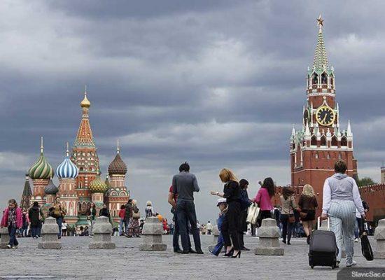 Почему россияне не доверяют властям в ситуации с пандемией коронавируса? Но все еще верят пропаганде