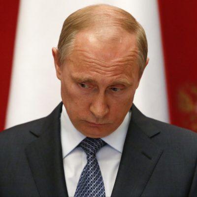 Одобряй, но не доверяй. Почему во время пандемии рейтинг Путина стал рекордно низким