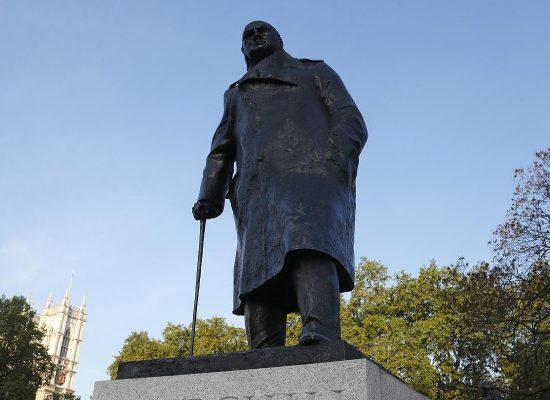 Фейк Кіріла Клейменова: Черчилль був прибічником застосування хімічної зброї і винуватцем руйнування Ковентрі