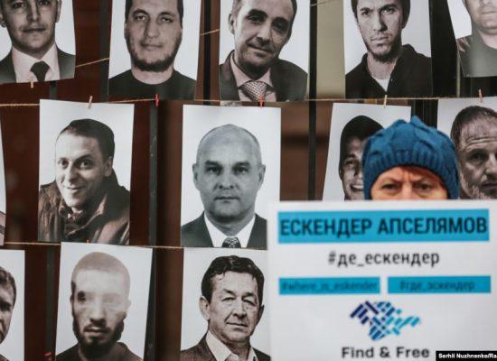 Правозахисники випустили календар, присвячений ув'язненим і викраденим у Криму