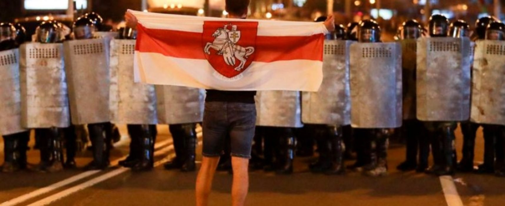 Спад протестів, долари для протестувальників і сакральна жертва: головні фейки російських ЗМІ про Білорусь