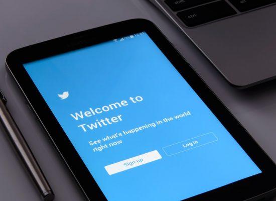 Twitter zaczął oznaczać konta powiązanych z rządami środków masowego przekazu